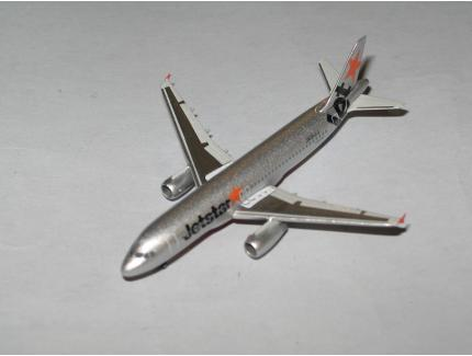 AIRBUS A320 JET STAR HERPA 1/500°