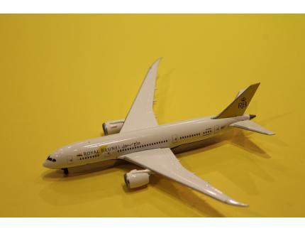 BOEING 787-8 DREAMLINER ROYAL BRUNEI HERPA 1/500°