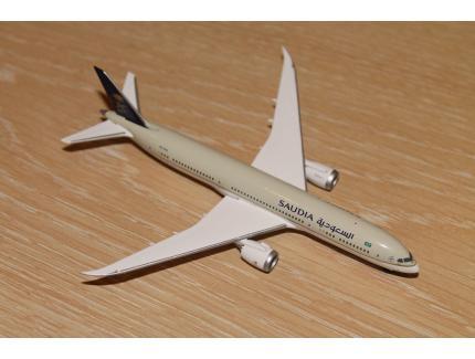 BOEING 787-9 DREAMLINER SAUDIA HERPA 1/500°