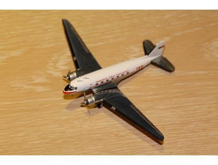 DOUGLAS DC-3 TAP HERPA 1960 1/200°