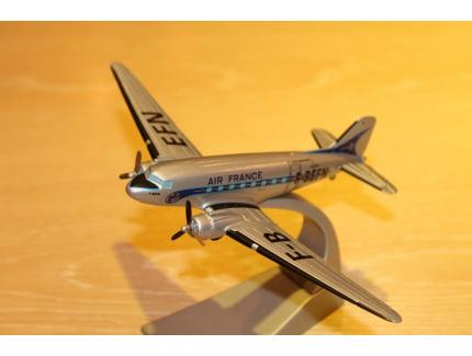 DOUGLAS DC-3 AIR FRANCE  CORGI 1/144°