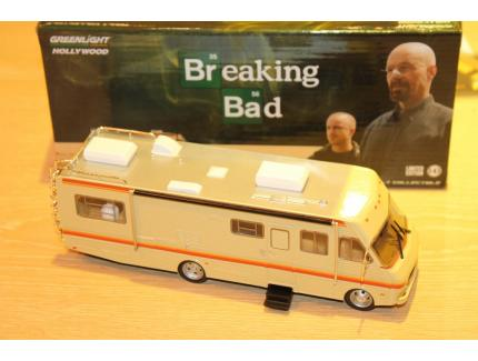FLEETWOOD BOUNDER RV BREAKING BAD 1986 GREENLIGHT 1/43°