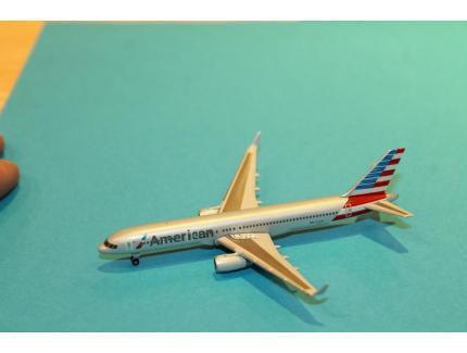 BOEING 757-200 AA HERPA 1/500°