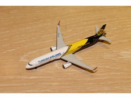 "AIRBUS A321 ""TURKISH AIRLINES"" HERPA 1/500°"