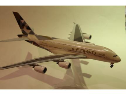 AIRBUS A380 ETIHAD AIRWAYS 2017 HERPA 1/200°