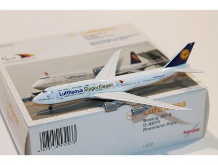 BOEING 747-8 LUFTHANSA SIEGERFLIEGER 2016 HERPA 1/500°