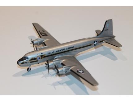 DOUGLAS C-54M SKY MASTER USAF 1959 HERPA 1/200°
