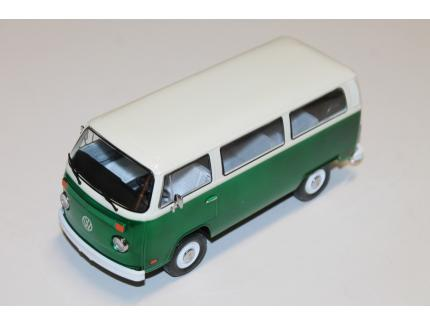 "VOLKSWAGEN TYPE 2 ""FIELD OF DREAMS"" 1973 GREENLIGHT 1/24°"