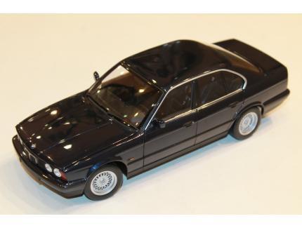 BMW 535I E34 BLEU 1988 MINICHAMPS 1/18°