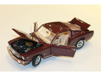 FORD MUSTANG 2+2 AUTO WORLD 1/18°