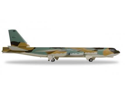 BOEING B-52G STRATOFORTRESS US AIR FORCE HERPA 1/200°