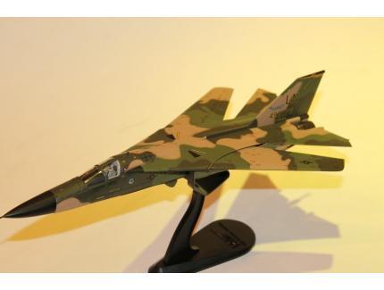 THE GENERAL DYNAMICS F-111 HOBBYMASTER 1/72°