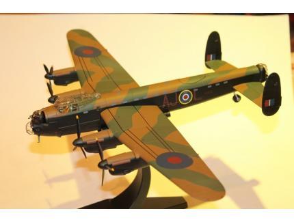 AVRO LANCASTER B.MK.III (SPECIAL) CORGI 1/72°