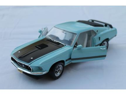FORD MUSTANG SHELBY GT350 FASTBACK 1969 AUTO WORLD 1/18°