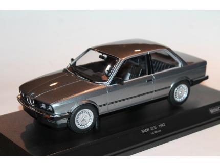 BMW 323i GRISE 1982 MINICHAMPS 1/18°