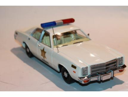 "PLYMOUTH FURY 1977 ""SHERIFF FAIS MOI PEUR"" GREENLIGHT 1/18°"