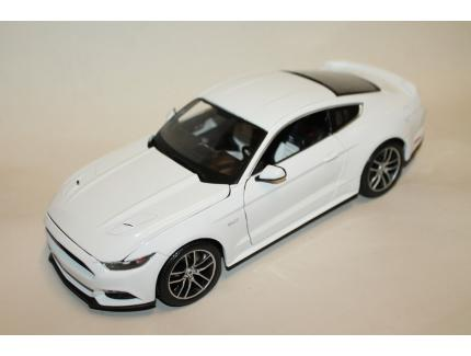 FORD MUSTANG GT BLANCHE 2015 MAISTO 1/18°