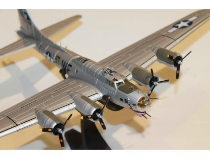 BOEING B-17G FLYING FORTRESS 1944 CORGI 1/72°