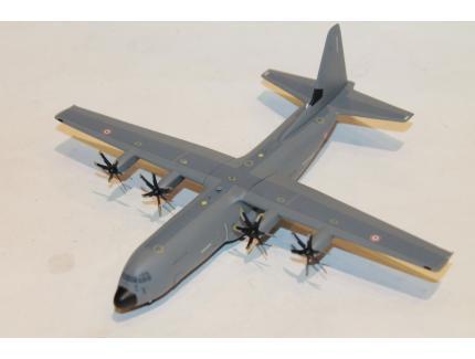 """HERCULES C-130 """"FRANCHE-COMTE"""" HERPA 1/200°"""