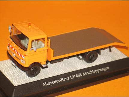 MERCEDES LP608 DEPANNEUSE 1972 PREMIUM CLASSIXXS 1/43°