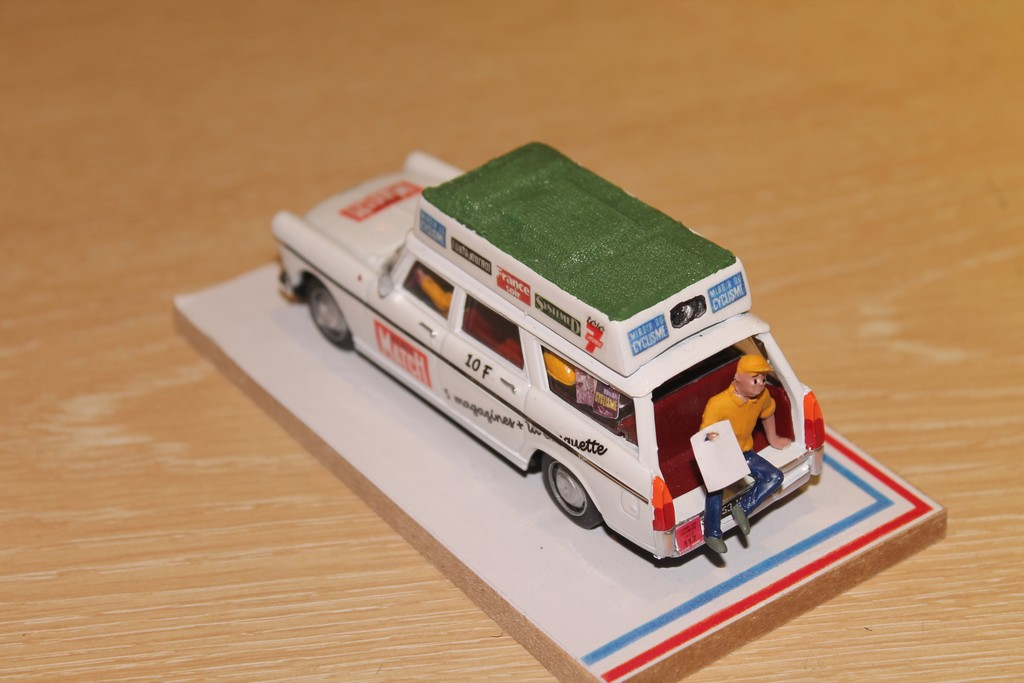 PEUGEOT 404 VENTE AMBULANTE TDF 1970 LABEL 1/43