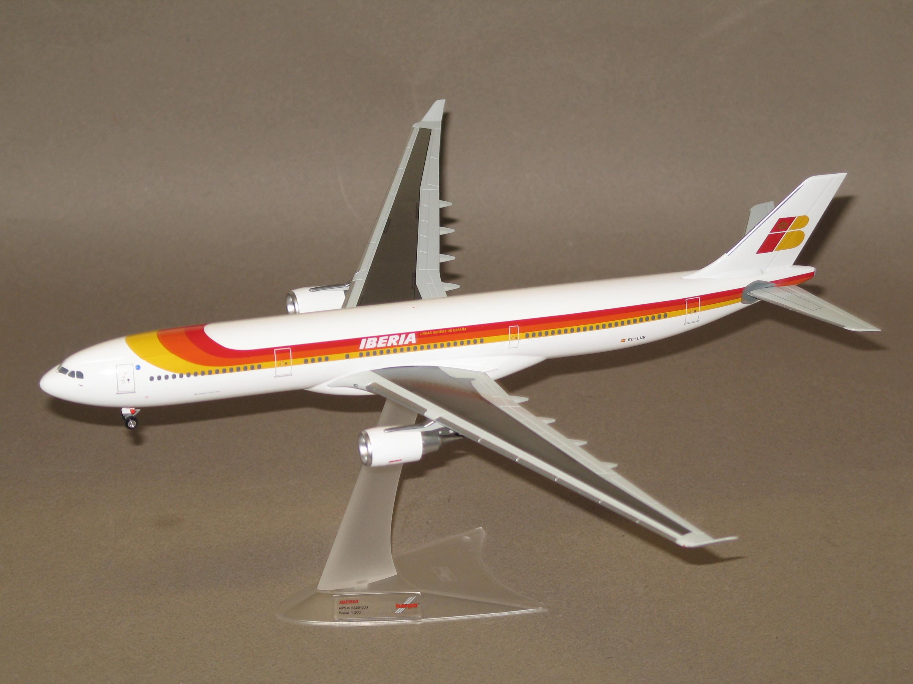 AIRBUS A330-300 IBERIA HERPA 1/200°