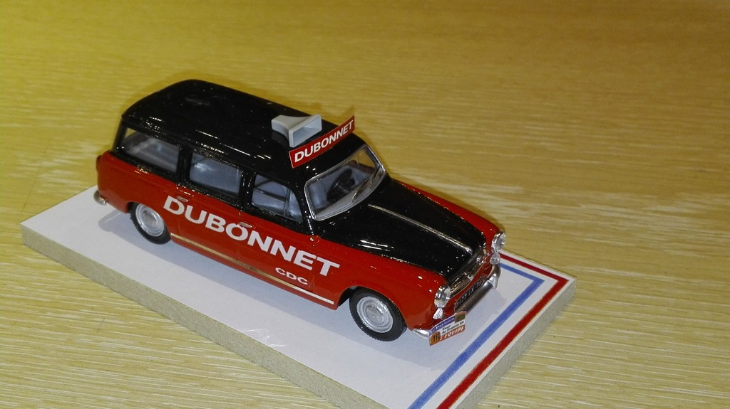 PEUGEOT 403 BREAK DUBONNET TDF 1959 LABEL 43