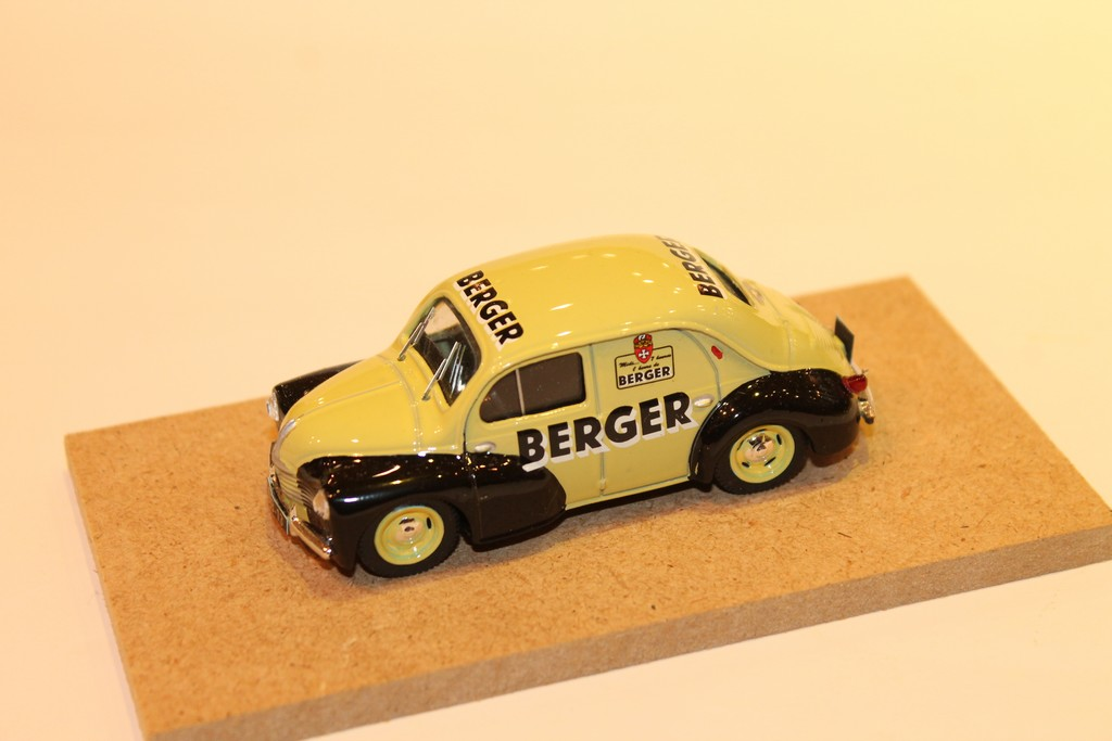 RENAULT 4CV TOLEE BERGER 1956 LABEL43