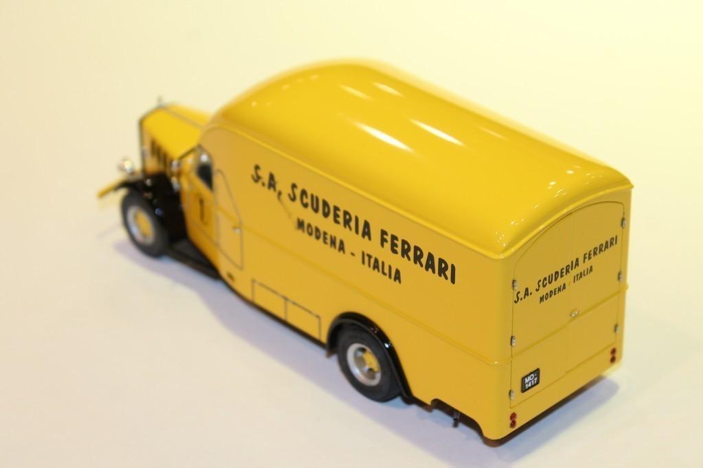 alfa romeo camion 500 1936 exoto 1 43. Black Bedroom Furniture Sets. Home Design Ideas