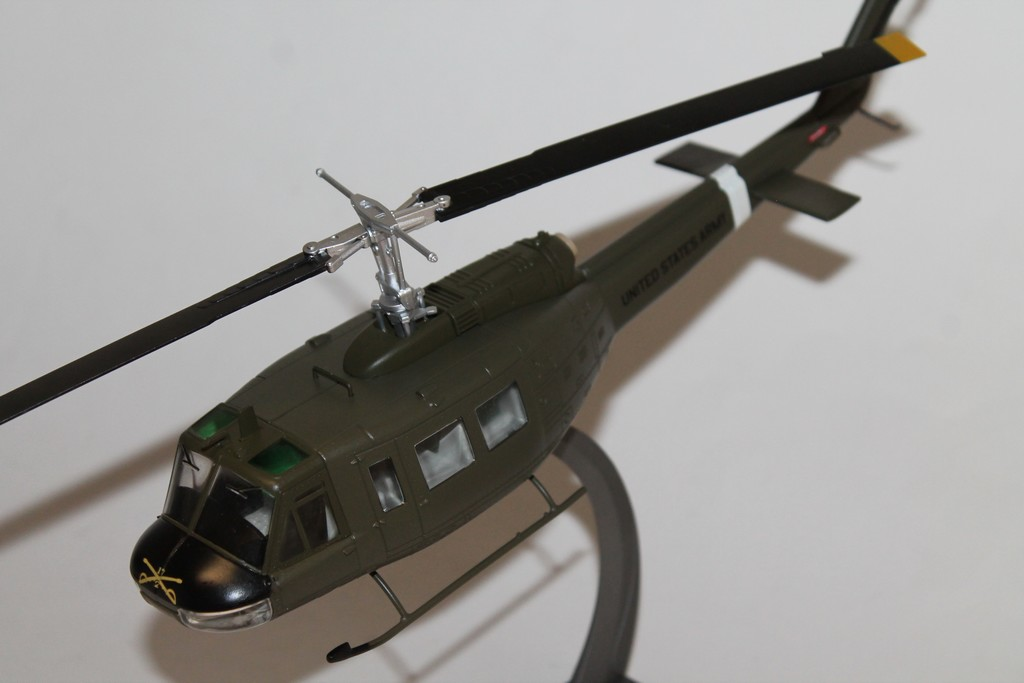BELL UH-1 IROQUOIS HUEY 1969 AIR FORCE ONE 1/48°