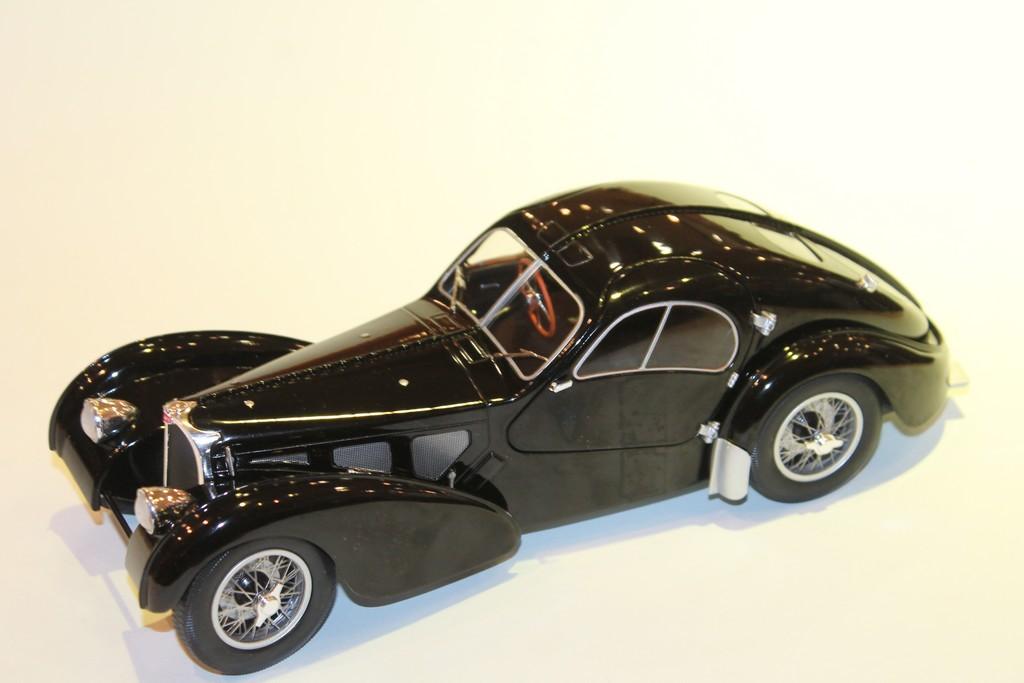Bugatti Type 57sc Atlantic Noir Solido 1 18
