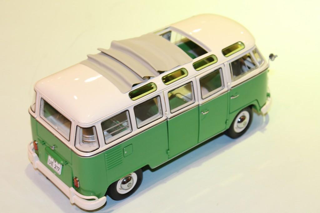 vw combi t1 samba 1960 vert/blanc schuco 1/18°