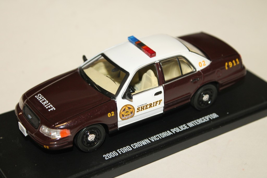 02 ford crown victoria police interceptor