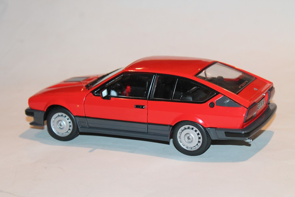 ALFA ROMEO GTV6 1983 RED SOLIDO 1/18°