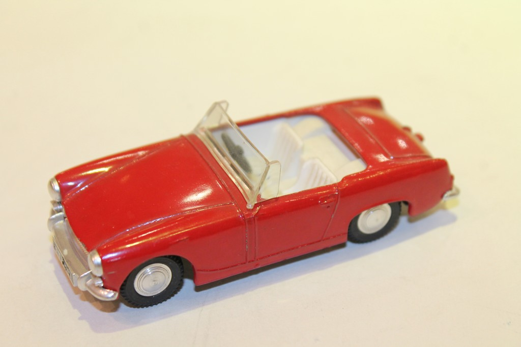 AUSTIN HEALEY SPRITE MK III 1967 SPOT ON 1/43