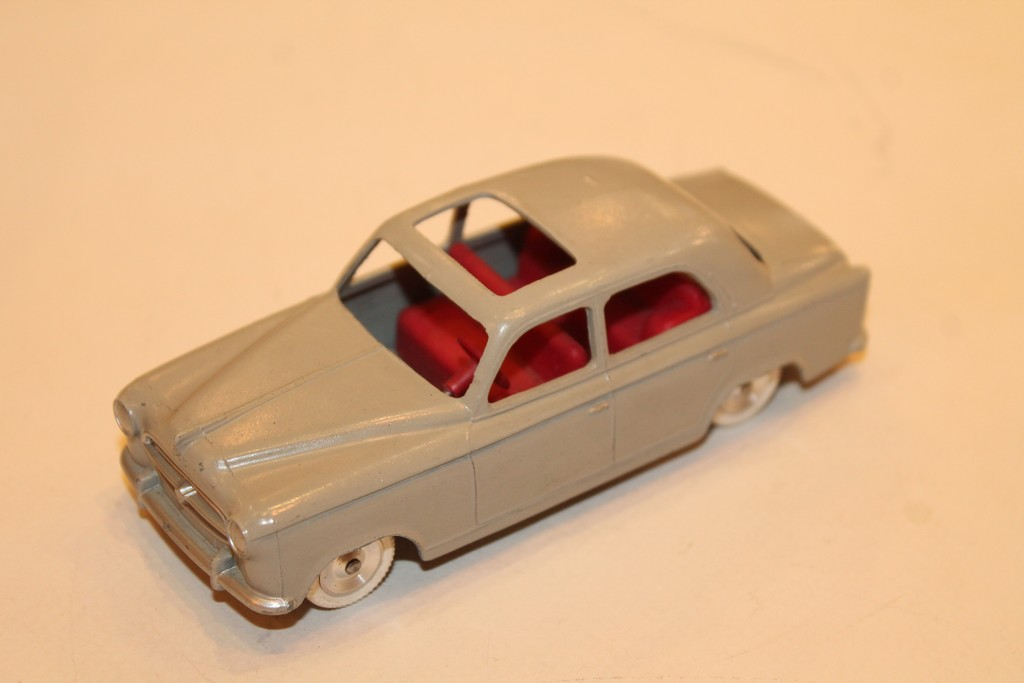PEUGEOT 403 GRISE SOLIDO 1/40°