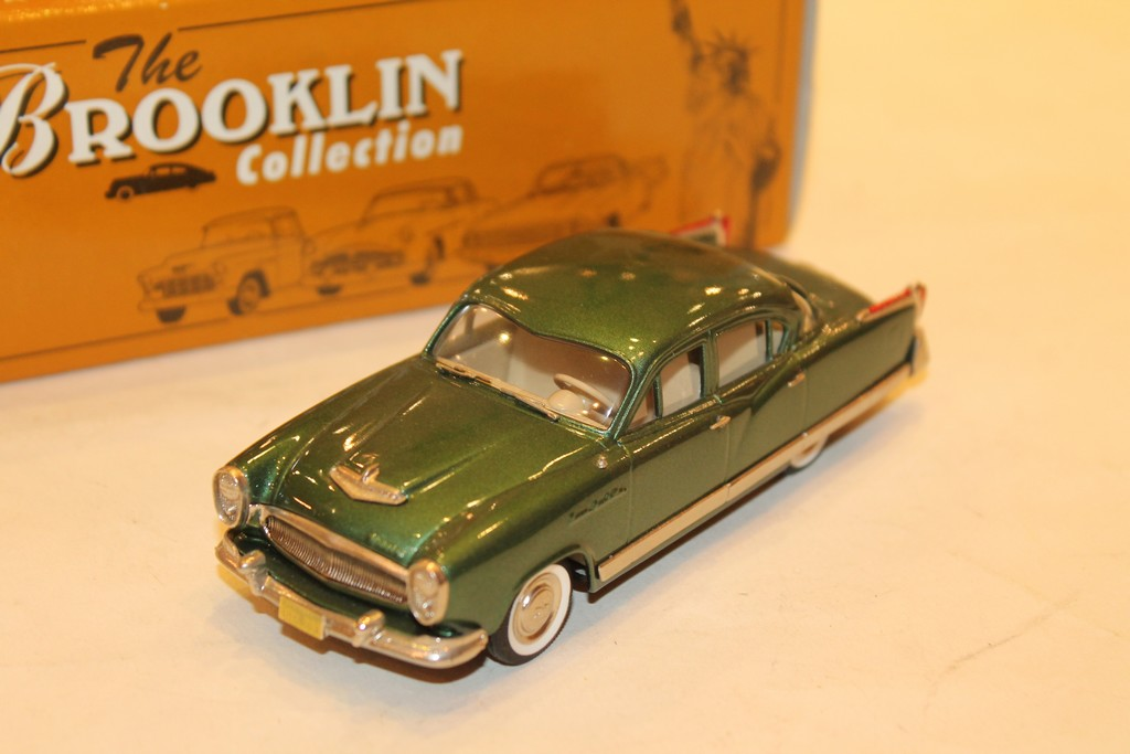 KAISER MANHATTAN FOUR DOOR VERTE 1954 BROOKLIN 1/43°