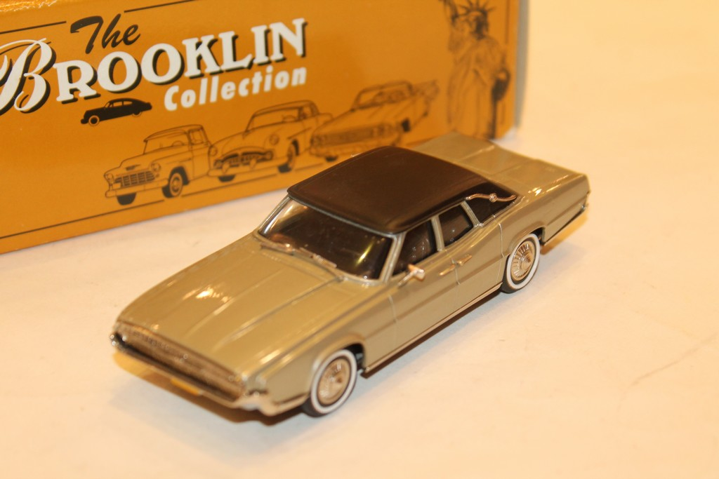 FORD THUNDERBIRD 4 DOOR LANDAU 1967 BROOKLIN 1/43°