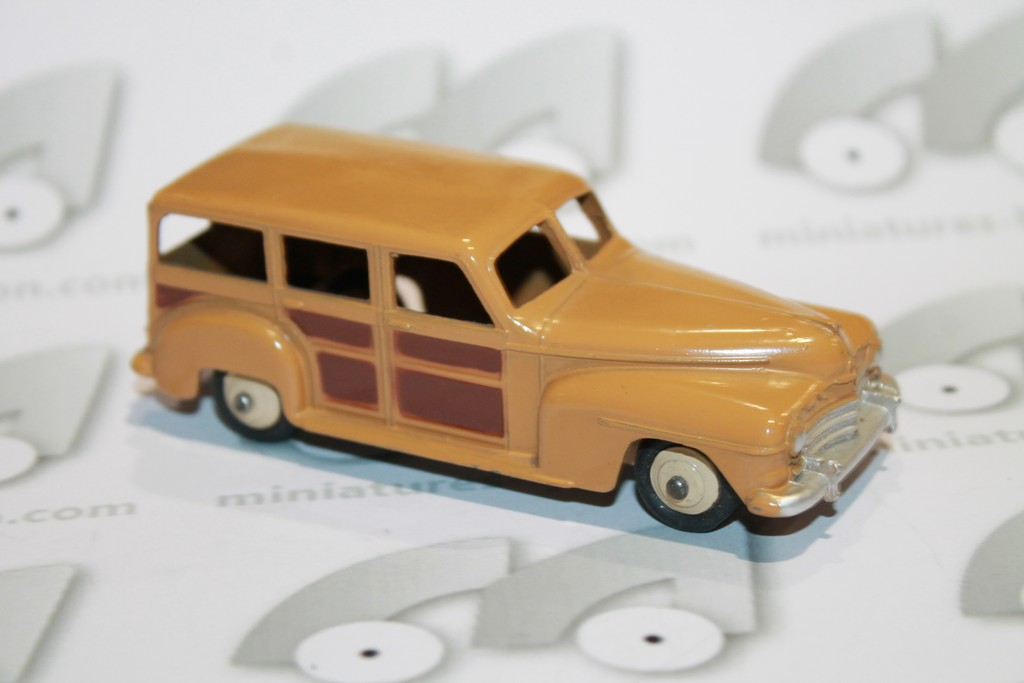 PLYMOUTH BREAK WOODY DINKY TOYS 1/43°